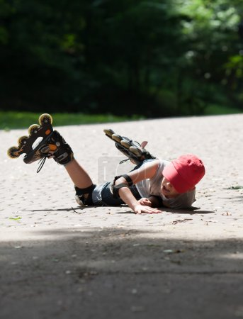 Little rollerblader takes a tumble
