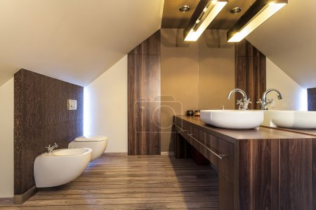 Country home - Wooden bathroom