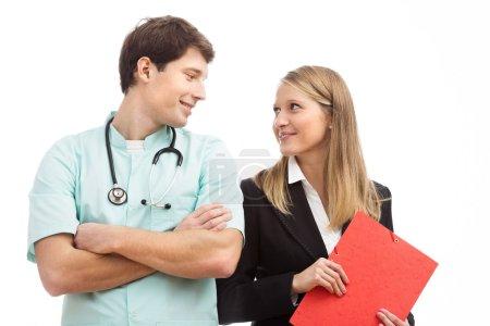 Foto de Cooperación entre el jefe de hospital y el director financiero - Imagen libre de derechos