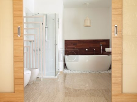 en suite bathroom with free standing