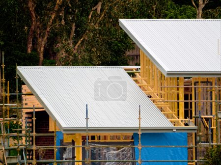 Tin roof house construction