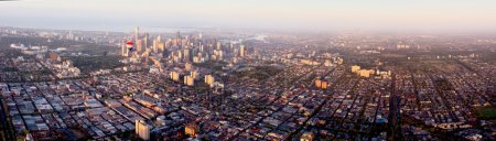 Photo pour Vue aérienne sur Melbourne pendant le vol en montgolfière - image libre de droit