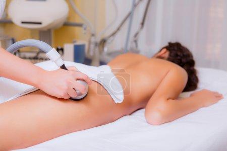 Photo pour Soins de beauté. Esthéticienne se préparant à l'intervention masseur - image libre de droit