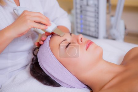 Cosmetic treatments for the skin