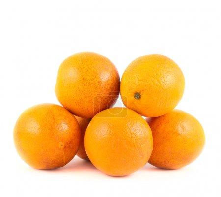 Photo pour Pile d'oranges fraîches isolées sur fond blanc - image libre de droit