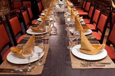 Photo pour Table décorée - image libre de droit