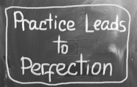 Photo pour La pratique mène au concept de perfection - image libre de droit