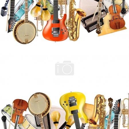 Photo pour Instruments de musique, orchestre ou collage de musique sur fond blanc - image libre de droit