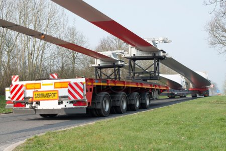 Heavy transport: Wind turbine transportation