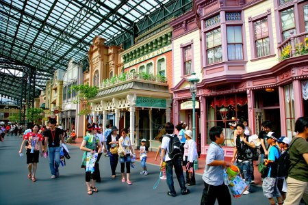 Tokyo Disneyland dynasty era Victorian-style street in the world market