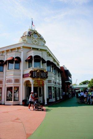 Tokyo Disneyland dynasty era Victorian-style street corner in the world market