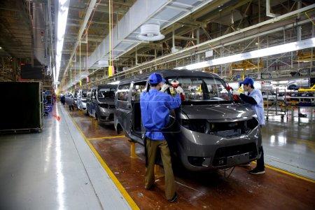 Photo pour Ligne d'assemblage en usine automobile des tsui Chongqing changan automobile poisson - image libre de droit