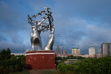 "Manzhouli City, Inner Mongolia Hulunbeier street sculpture ""Angel of Peace"""
