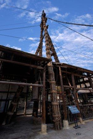 "Zigong one thousand meters Son ancient salt sea Well ""crane"""