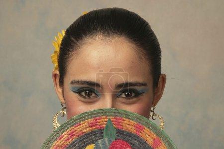 Photo pour Danseuse mexicaine traditionnelle de Nayarit - image libre de droit