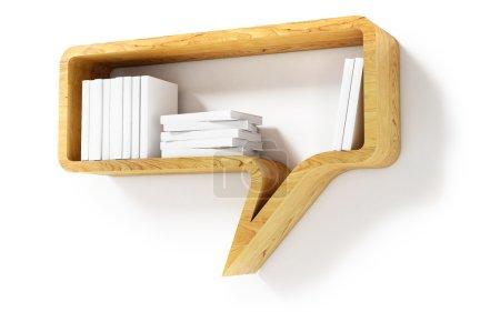 Photo pour Étagère en bois en forme de bulle de dialogue isolé sur fond blanc - image libre de droit