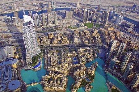 Photo pour Dubai skyline, vue d'en haut - image libre de droit