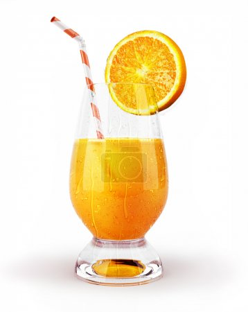 Jus d'orange dans un verre avec paille et tranche .