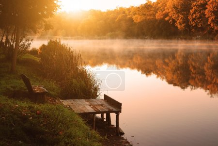 Photo pour Lac automne - image libre de droit