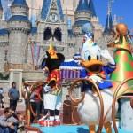 Donald Duck in Magic Kingdom Park in Disney World ...