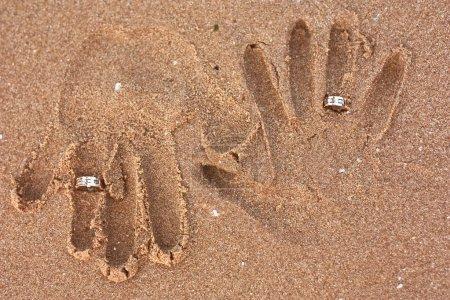 Honeymooners handprints