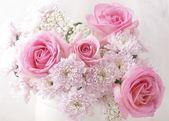 """Постер, картина, фотообои """"розовые и белые цветы в вазе."""""""