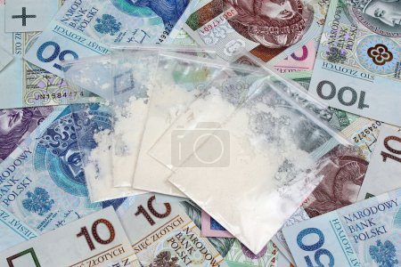 Photo pour Sacs avec des médicaments sur le fond d'argent polonais - image libre de droit