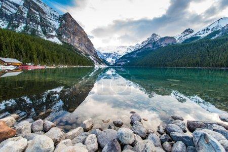 Photo pour Lac Louise - image libre de droit