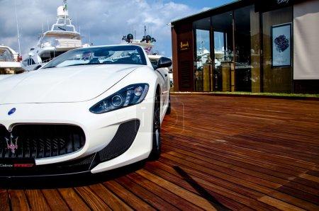 Maserati GranCabrio left side