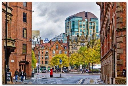 Photo pour Bâtiment classique, manchester, vue rue uk - image libre de droit