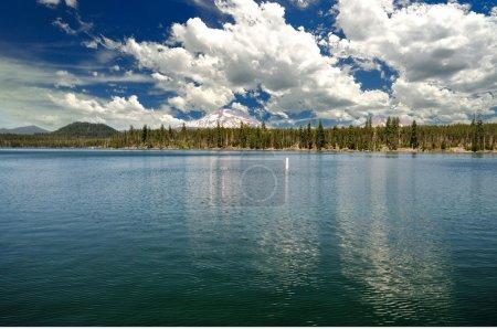 Photo pour Une vue du lac de lave pliez oregon - image libre de droit