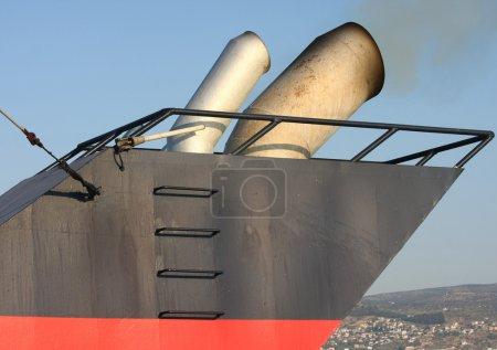 Ship chimney