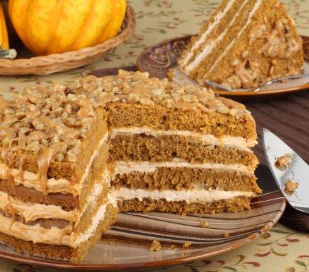 Photo pour Tranches de gâteau citrouille couche sur une plaque - image libre de droit