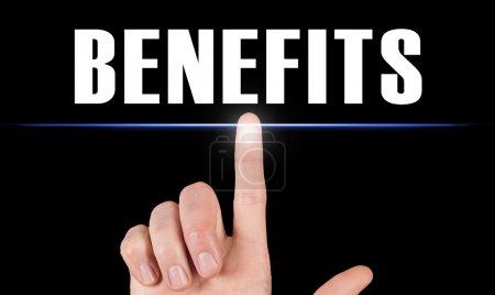 Photo pour Doigt pointant une icône des avantages - image libre de droit