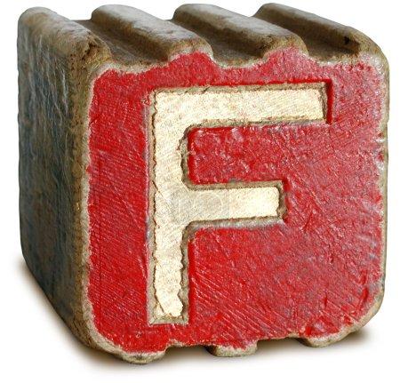Photographie de Bloc de bois rouge Lettre F