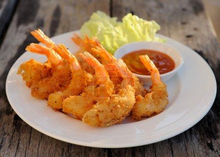 Photo pour Crevettes frites - image libre de droit