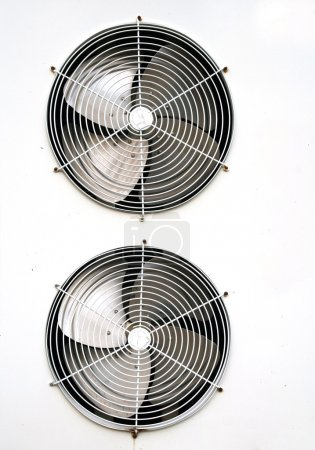 Photo pour Ventilateur de climatisation - image libre de droit