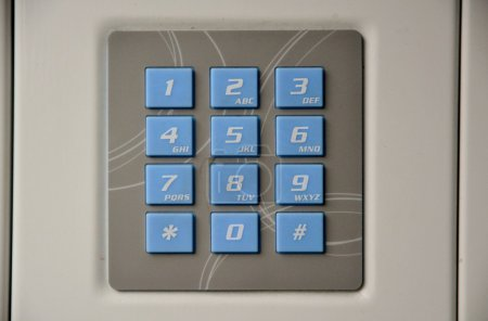 Electronic door bell system