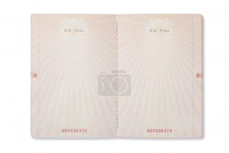 Photo pour Page de passeport chinois vierge isolée sur fond blanc . - image libre de droit