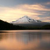 The volcano mountain Mt. Hood, in Oregon, USA.