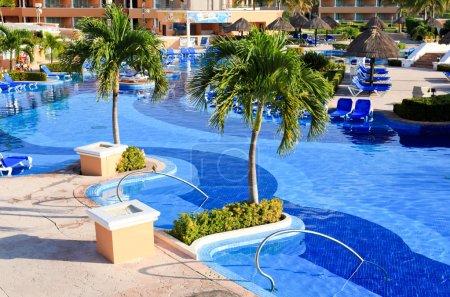 Photo pour Un formule tout compris de luxe resort de plage au matin à cancun au Mexique - image libre de droit