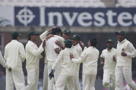 Cricket. England vs Bangladesh 1st test day 1. Alaistair Cook, Shahadat Hossai