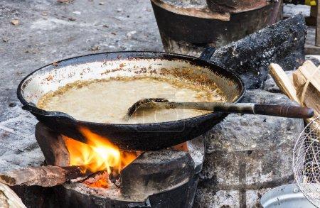 Photo pour Vue exceptionnelle sur une poêle direct avec sauce laotienne. - image libre de droit