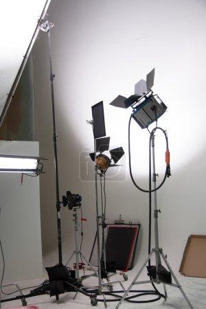 Photo pour Projecteurs dans un studio de cinéma - image libre de droit