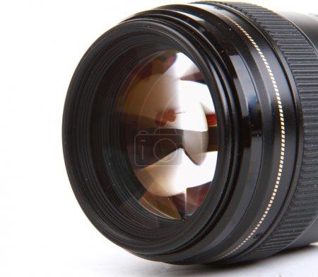 Photo pour Objectif caméra sur fond blanc - image libre de droit
