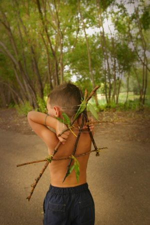Photo pour Enfants jouant à l'extérieur - image libre de droit