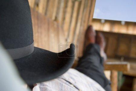 Photo pour Cowboy sommeil - image libre de droit