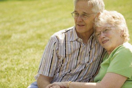 Photo pour Couple de personnes âgées - image libre de droit