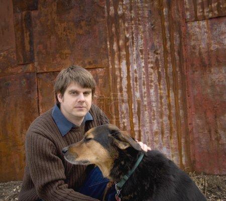 Photo pour Homme et chien - image libre de droit