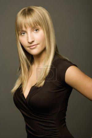 Photo pour Portrait féminin - image libre de droit